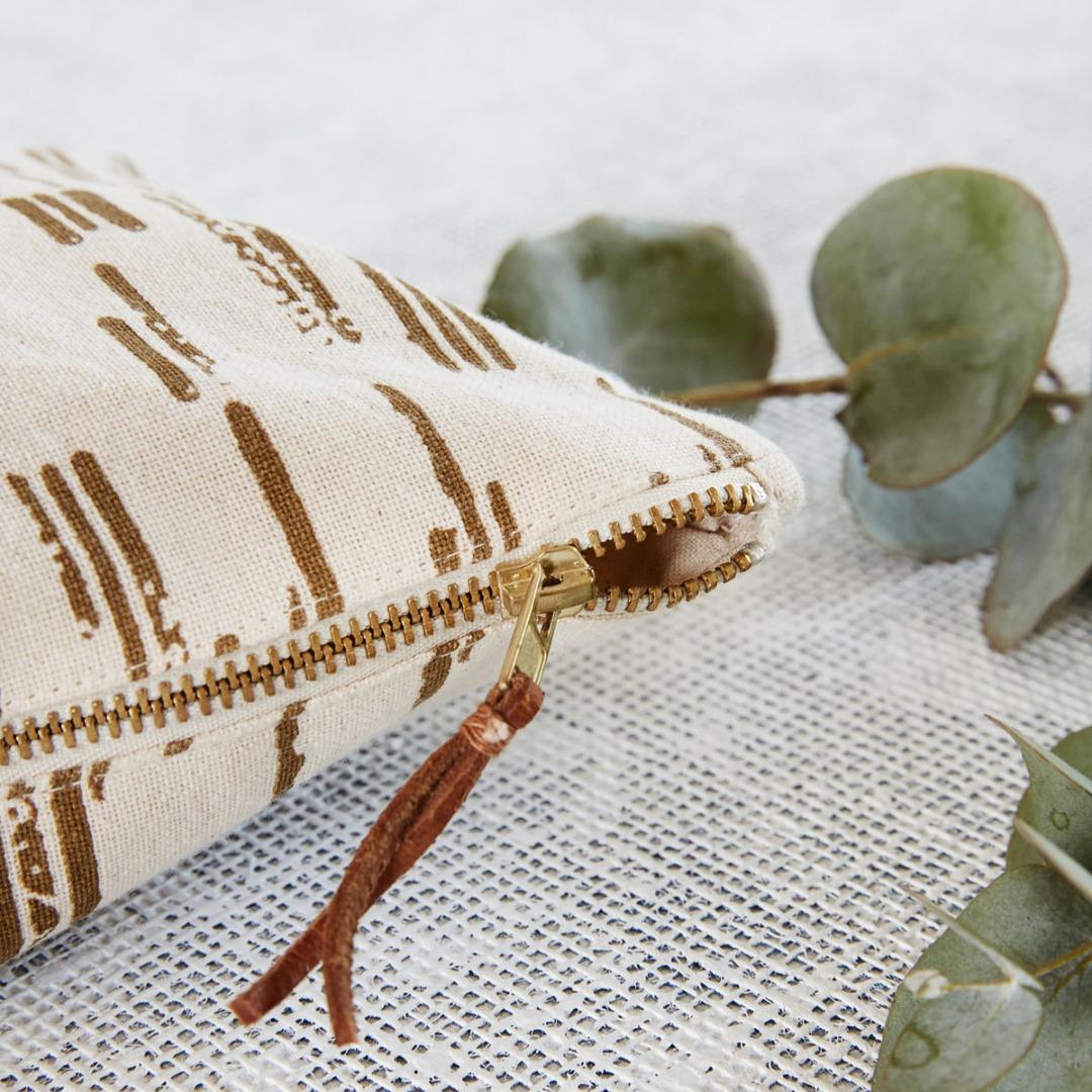 Cosmetic bag Row