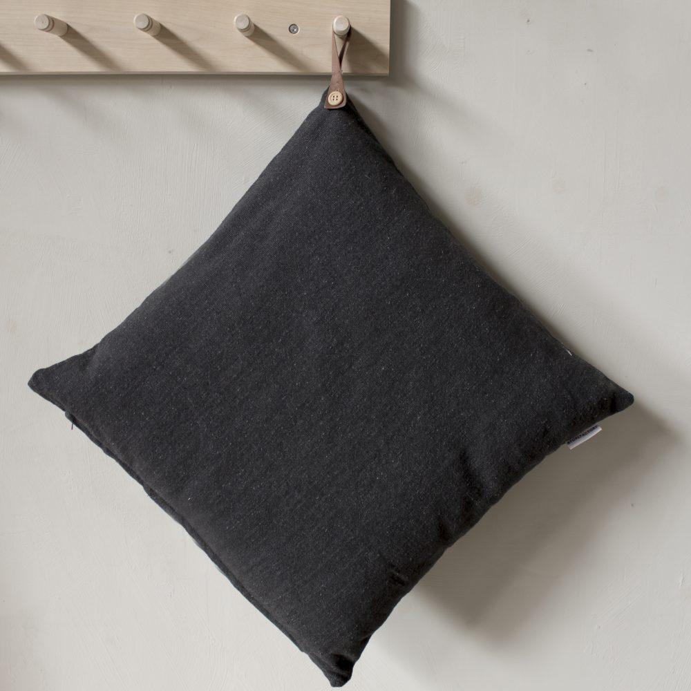 TULLSTORP Kissenhülle aus recyceltem Material dunkelgrau