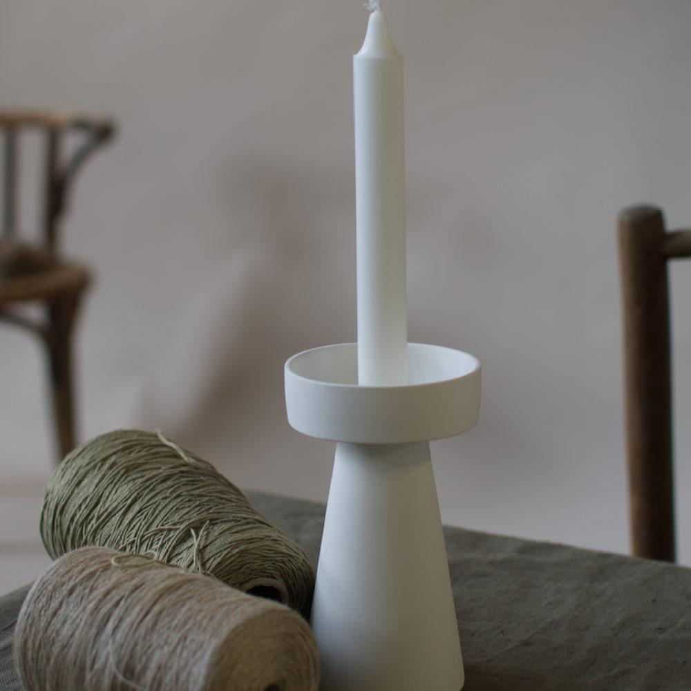 großer Kerzenhalter matt/weiß aus Keramik 3