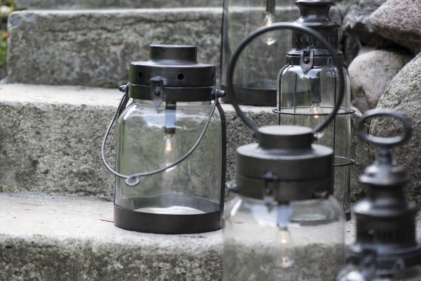 LED Laterne mit Metallboden klein 5