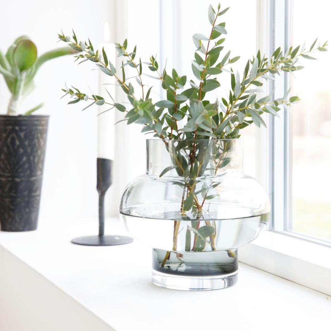 Vase FORMS LOW aus Glas grau