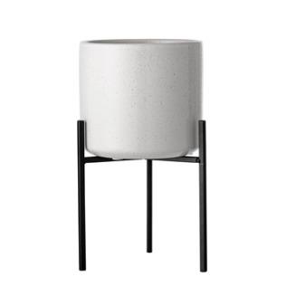 blumentopf mit gestell gro steinzeug wei nordlig. Black Bedroom Furniture Sets. Home Design Ideas