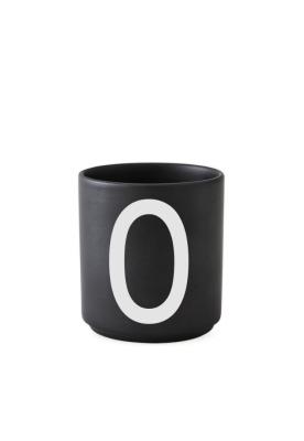 schwarzer Porzellanbecher O - Design Letters