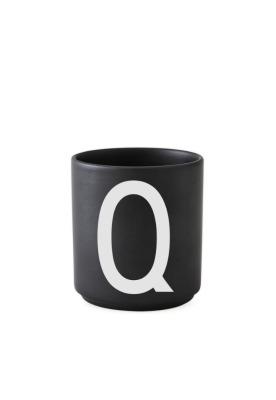 schwarzer Porzellanbecher Q - Design Letters