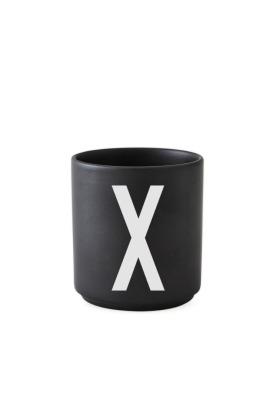 schwarzer Porzellanbecher X - Design Letters