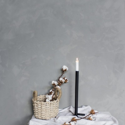 Metallbodenkerzenhalter klein schwarz von Storefactory Scandinavia