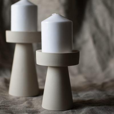kleiner Kerzenhalter matt/beige aus Keramik von