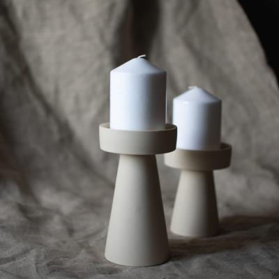 großer Kerzenhalter matt/beige aus Keramik von