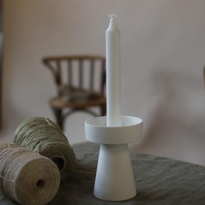 kleiner Kerzenhalter matt/weiß aus Keramik von