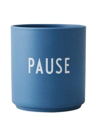 Porzellanbecher PAUSE blau - Design Letters