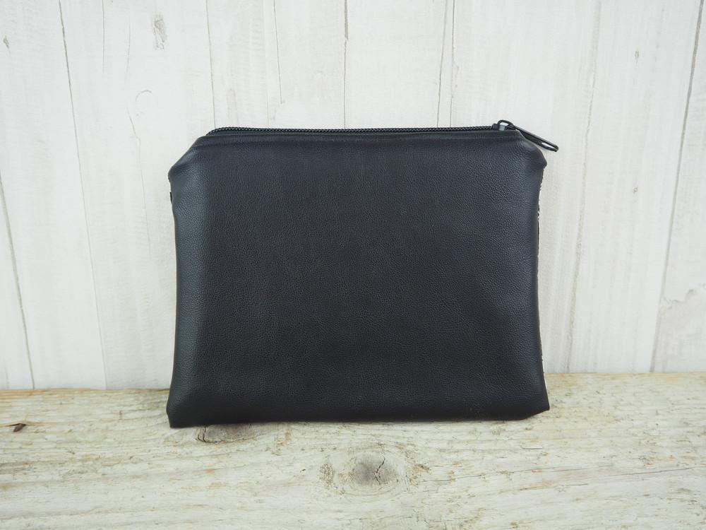 Reißverschlusstasche Kunstleder Federn schwarz 2