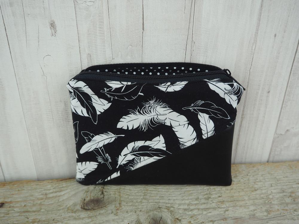 Reißverschlusstasche Kunstleder Federn schwarz 3