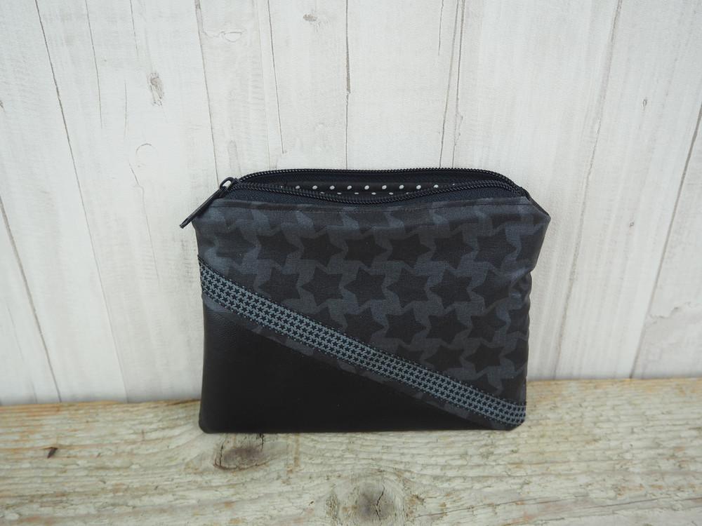 Reißverschlusstasche Sterne schwarz Kunstleder 2
