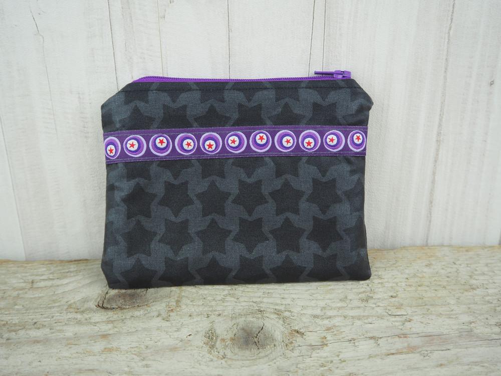Kleine Reißverschlusstasche Sterne grau lila