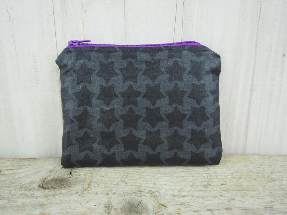 Kleine Reißverschlusstasche Sterne grau lila 2