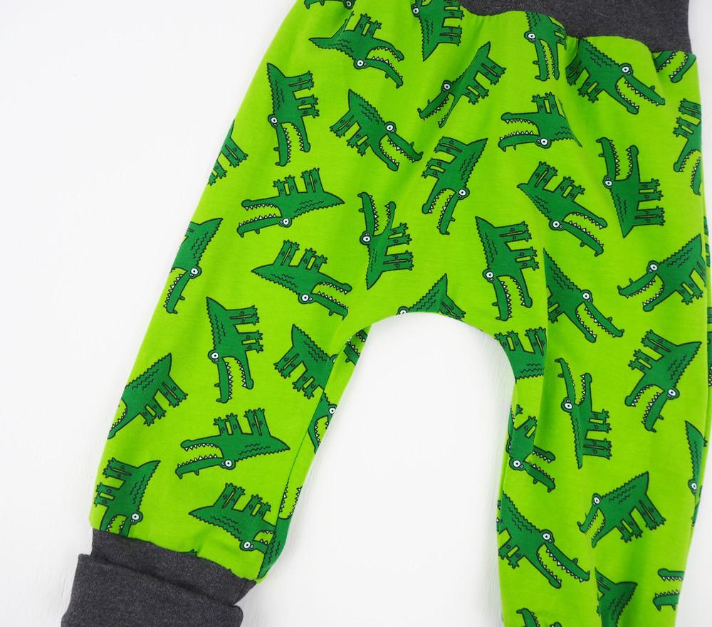 Pumphose Jogginghose Krokodile grün Krokodil 86