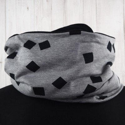 Loop Schal grau schwarz Quadrate breit