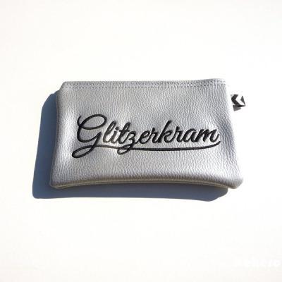 Reißverschlusstasche Kunstleder silber Glitzerkram Versandkostenfreier Artikel