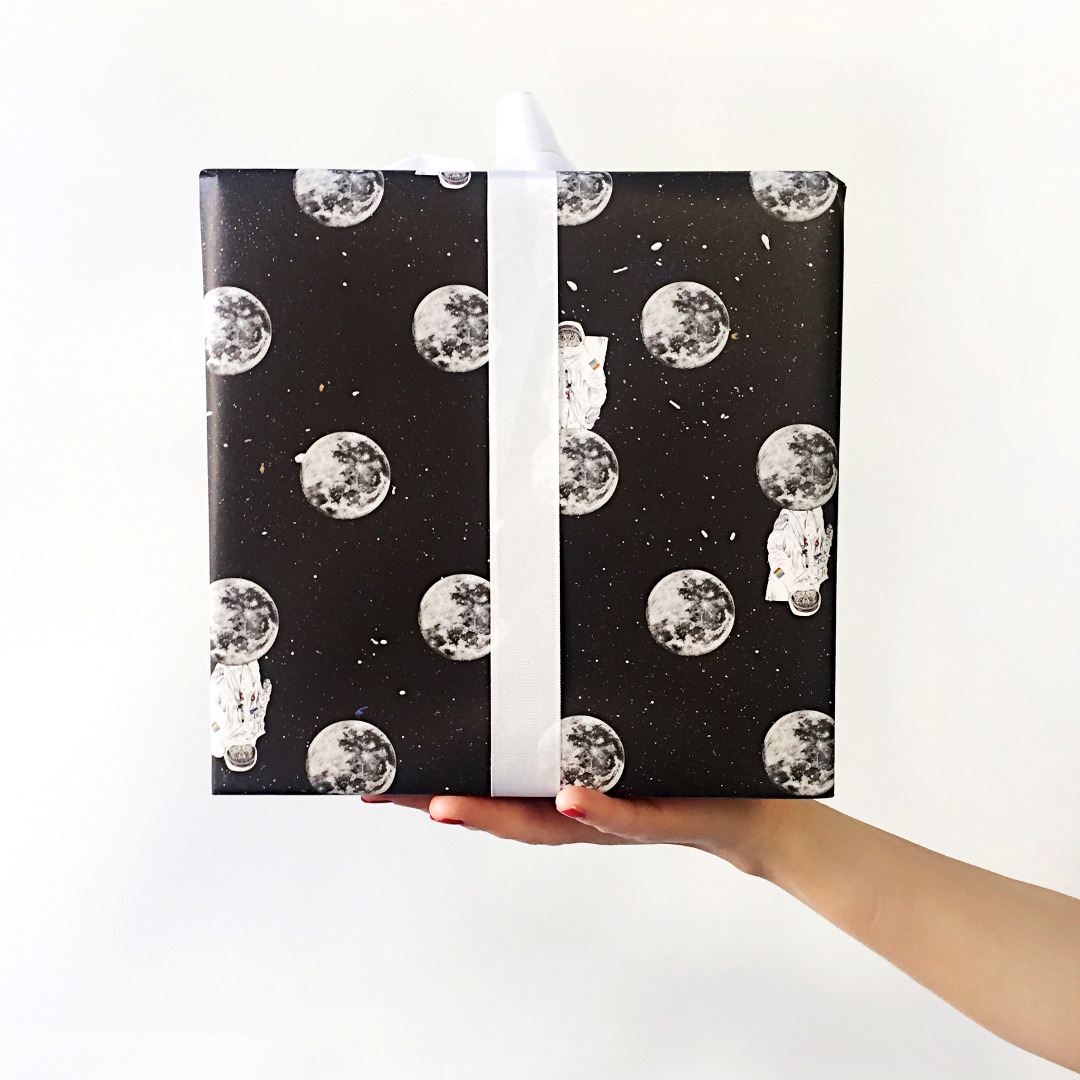 3 Bögen Geschenkpapier Astrocat 3