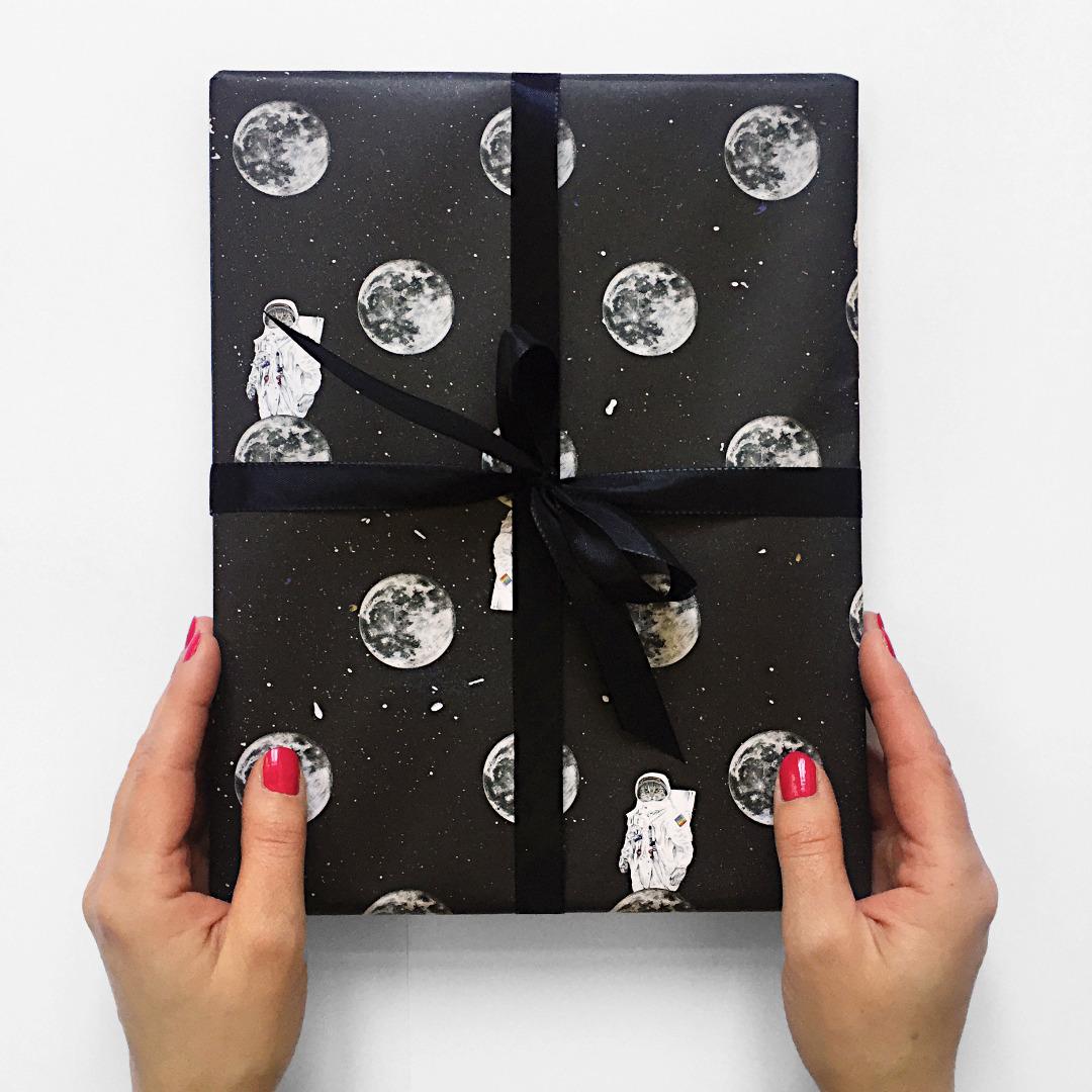 3 Bögen Geschenkpapier Astrocat