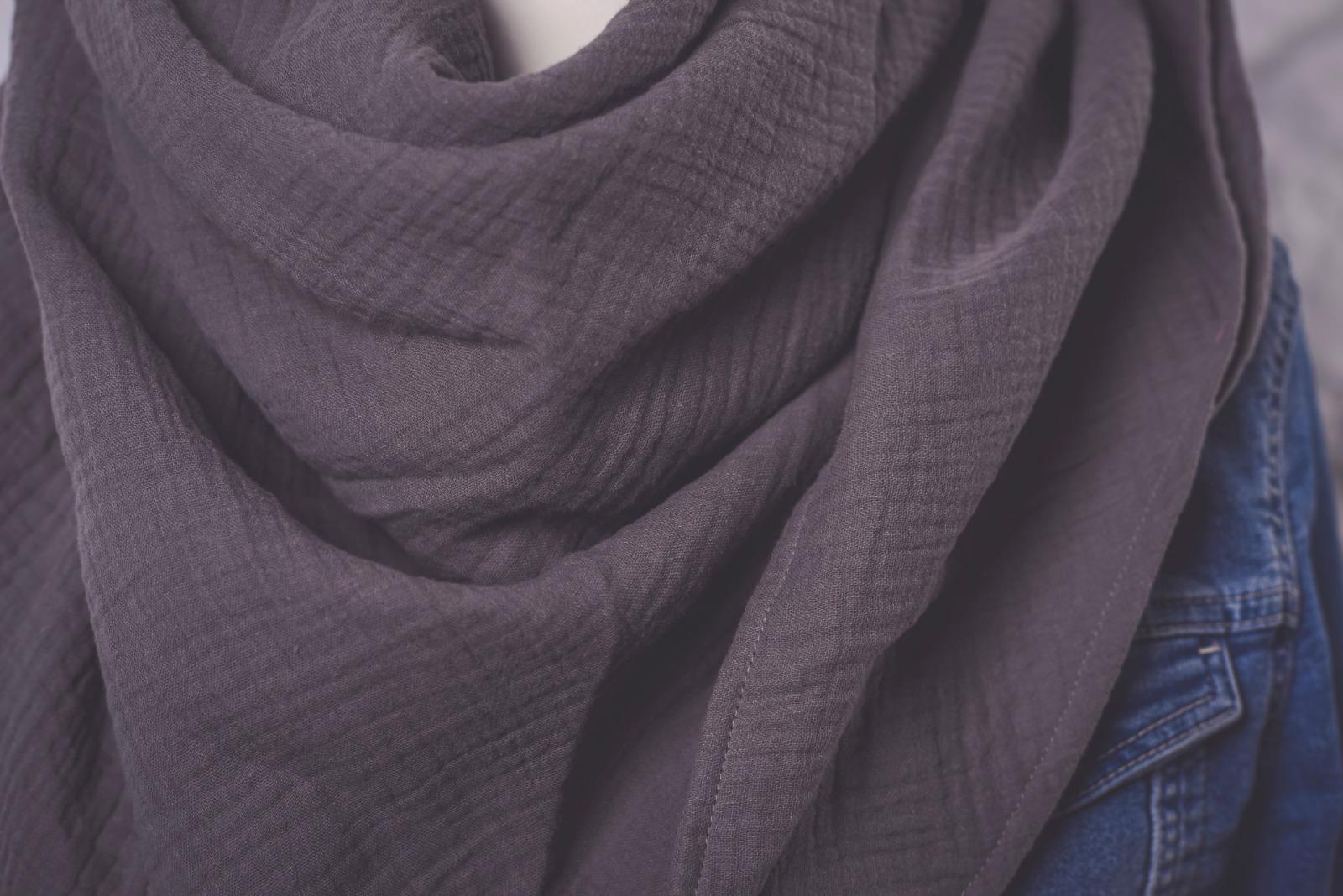 großes einfarbiges XL- Musselintuch einfarbig grau