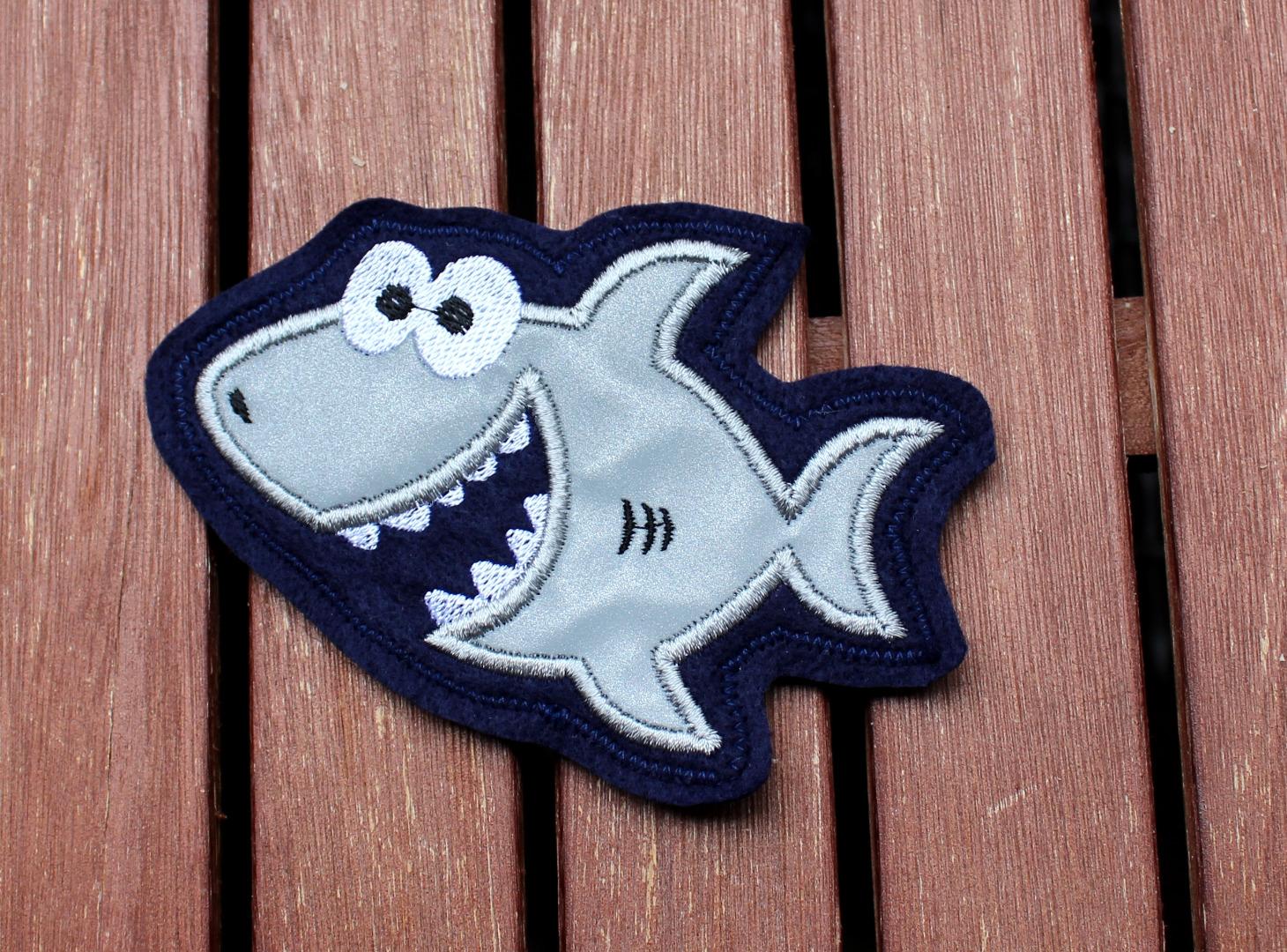 reflektierender Klett Patch für Schulranzen Hai