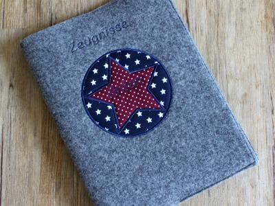 Zeugnismappe aus Wollfilz mit Sternenstickerei - inkl. Ringbuch zum einfachen Abheften aller Zeugnisse