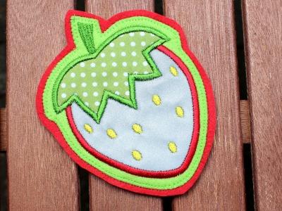 reflektierender Klett Patch für Schulranzen Erdbeere