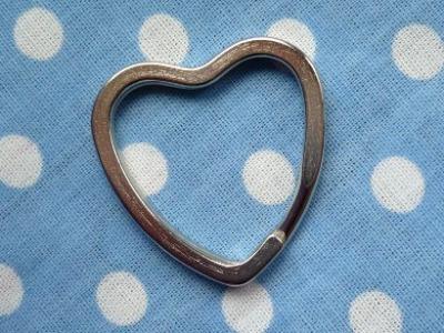 1 Schlüsselring Herz Design- Schlüsselring