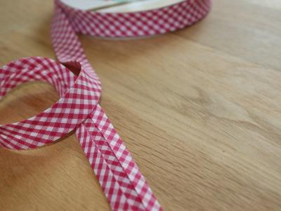 1m Schrägband Vichykaro 18mm pink