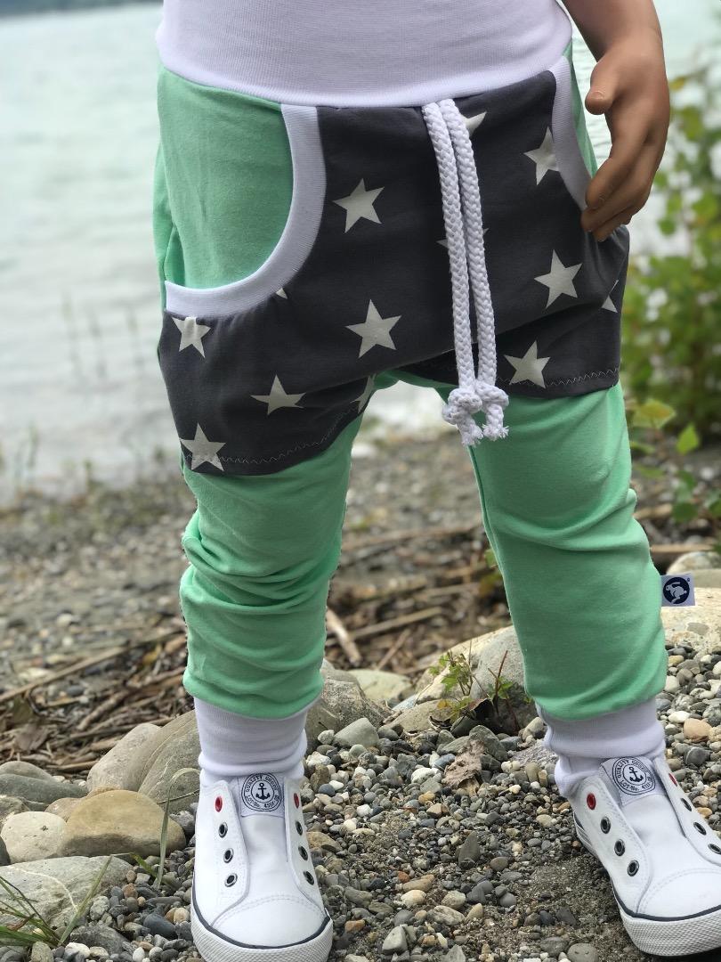Pumphose mit Sternen-Tasche Zajaz