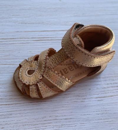 Sandale von Bisgaard Gold