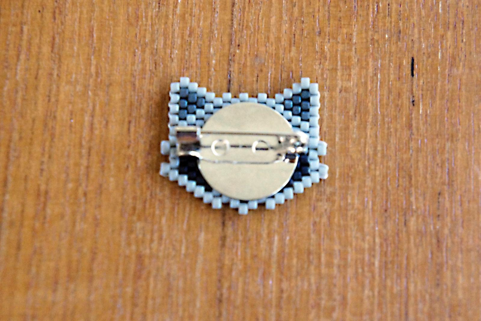 Brosche Pin Eisbär aus Miyukiperlen - 4