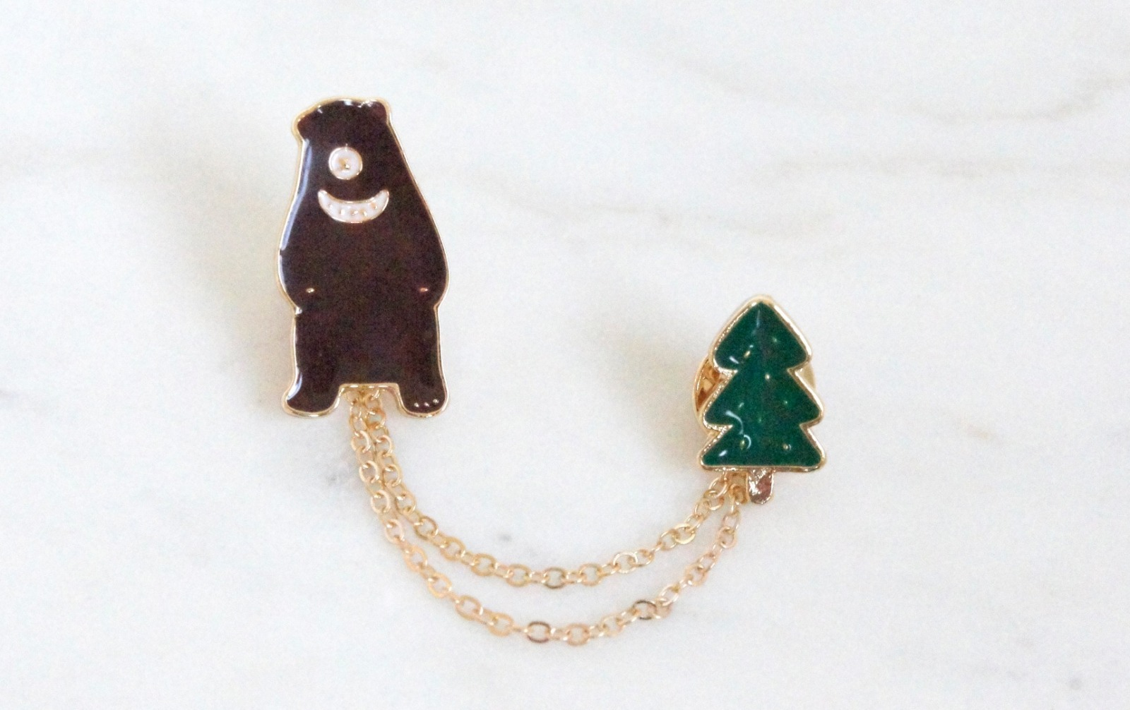 Brosche Pin Bär mit Tannenbaum 2