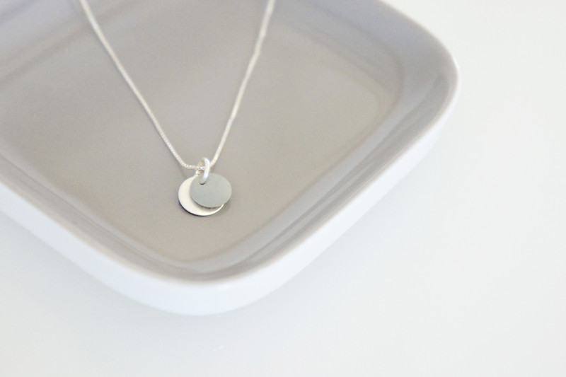 Kette Silber mit Emaille Anhänger grau