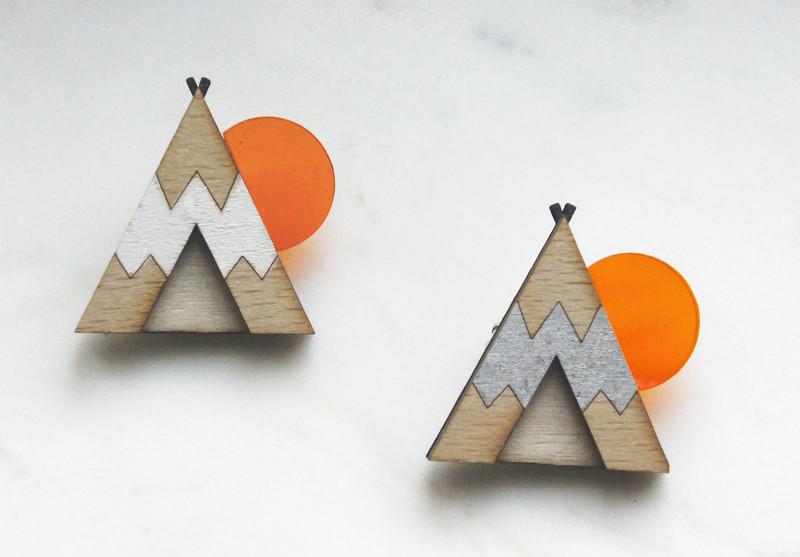 Brosche Tipi silber Holz Acryl orange - 2