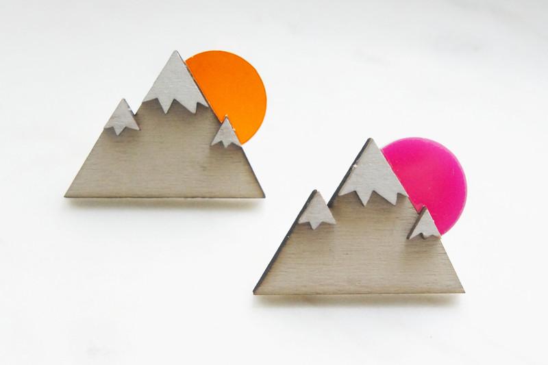 Brosche Berg Holz Acryl orange - 2