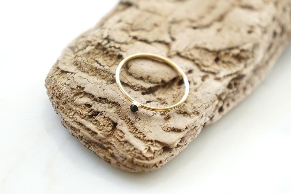 zarter Ring Stapelring vergoldet Onyx Fassung - 1