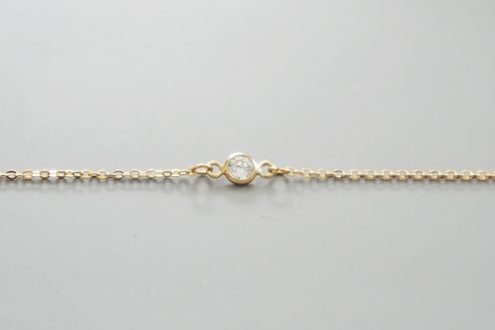 Feines Armband vergoldet mit Zirkonia Stein - 2