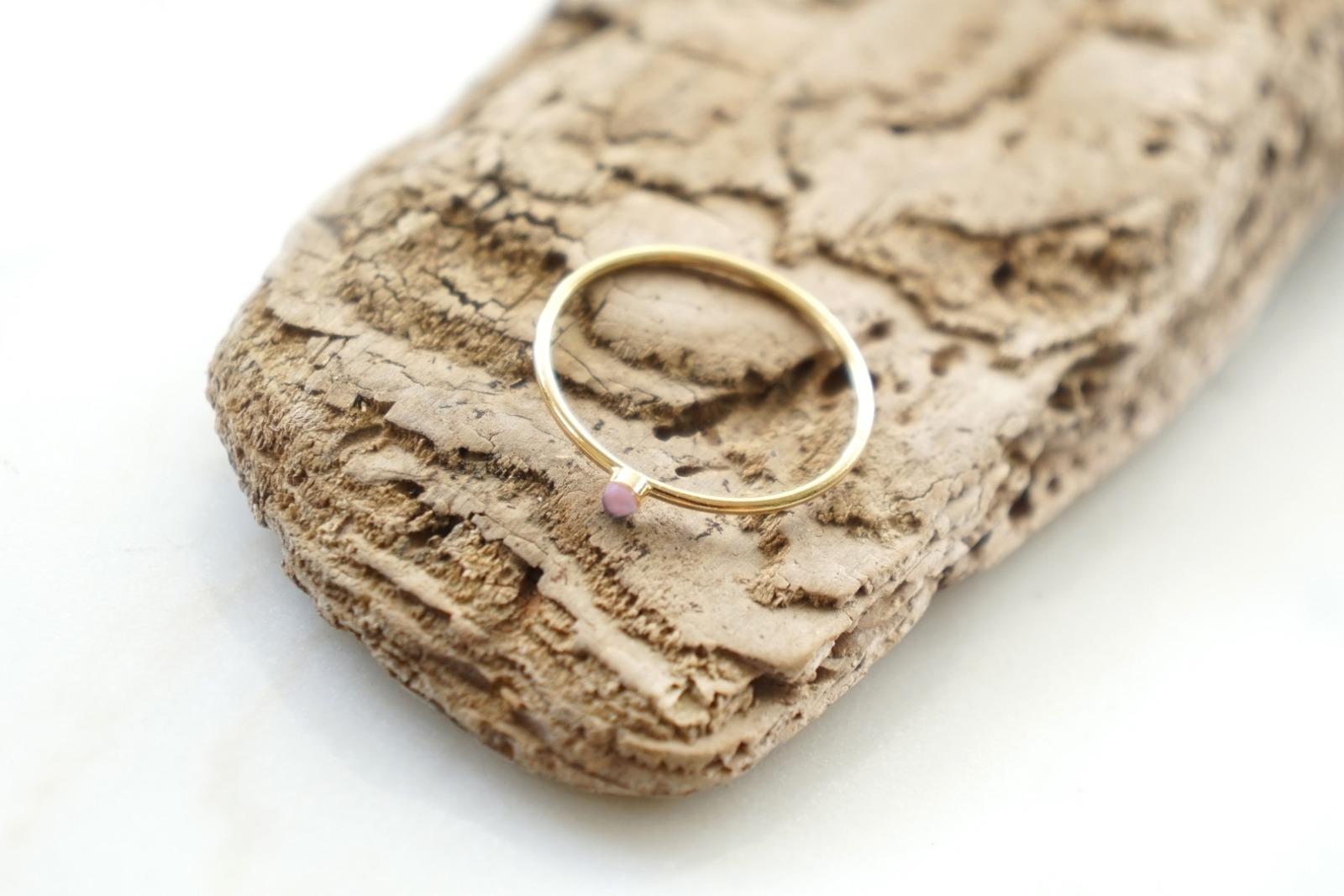 Zierlicher Ring Stapelring vergoldet Rosa Opal Fassung - 1