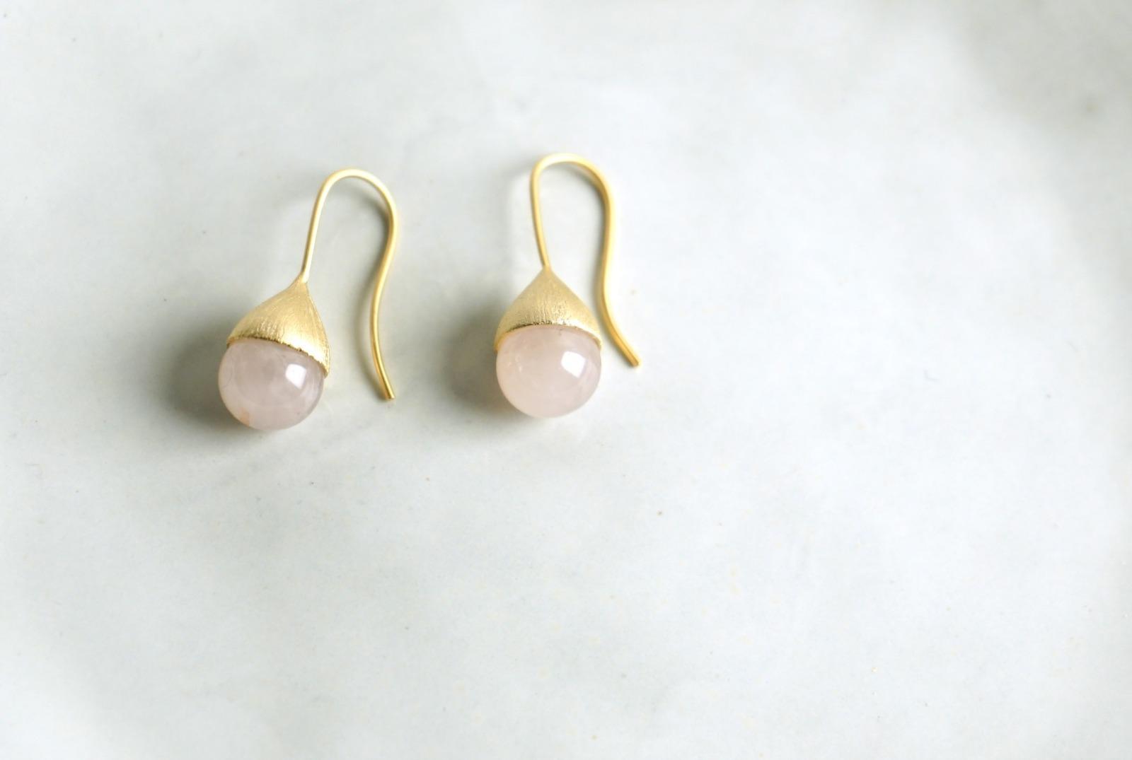 Ohrhänger Hütchen vergoldet mit Perle Rosenquarz - 1