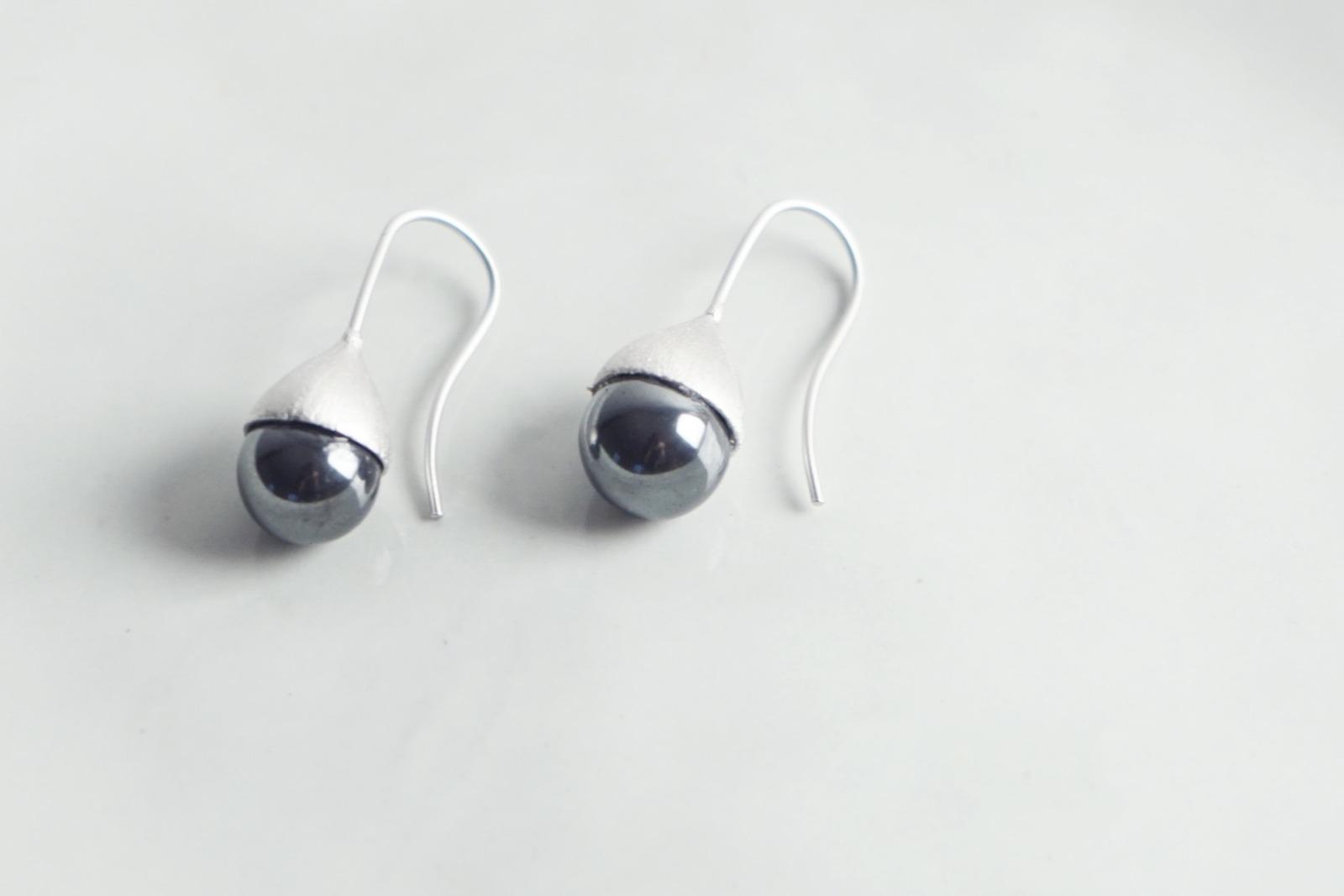 Ohrhänger Hütchen silber mit Perle Hämatit schwarz - 1