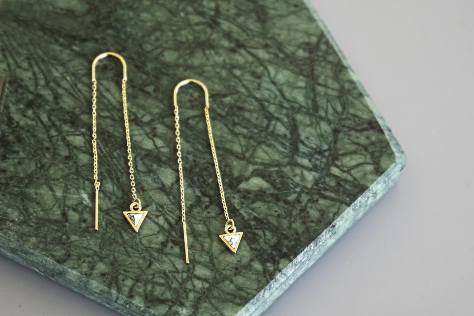 Lange Ohrhänger Kettchen Marmorlook Dreieck Howlith, weiß - 1