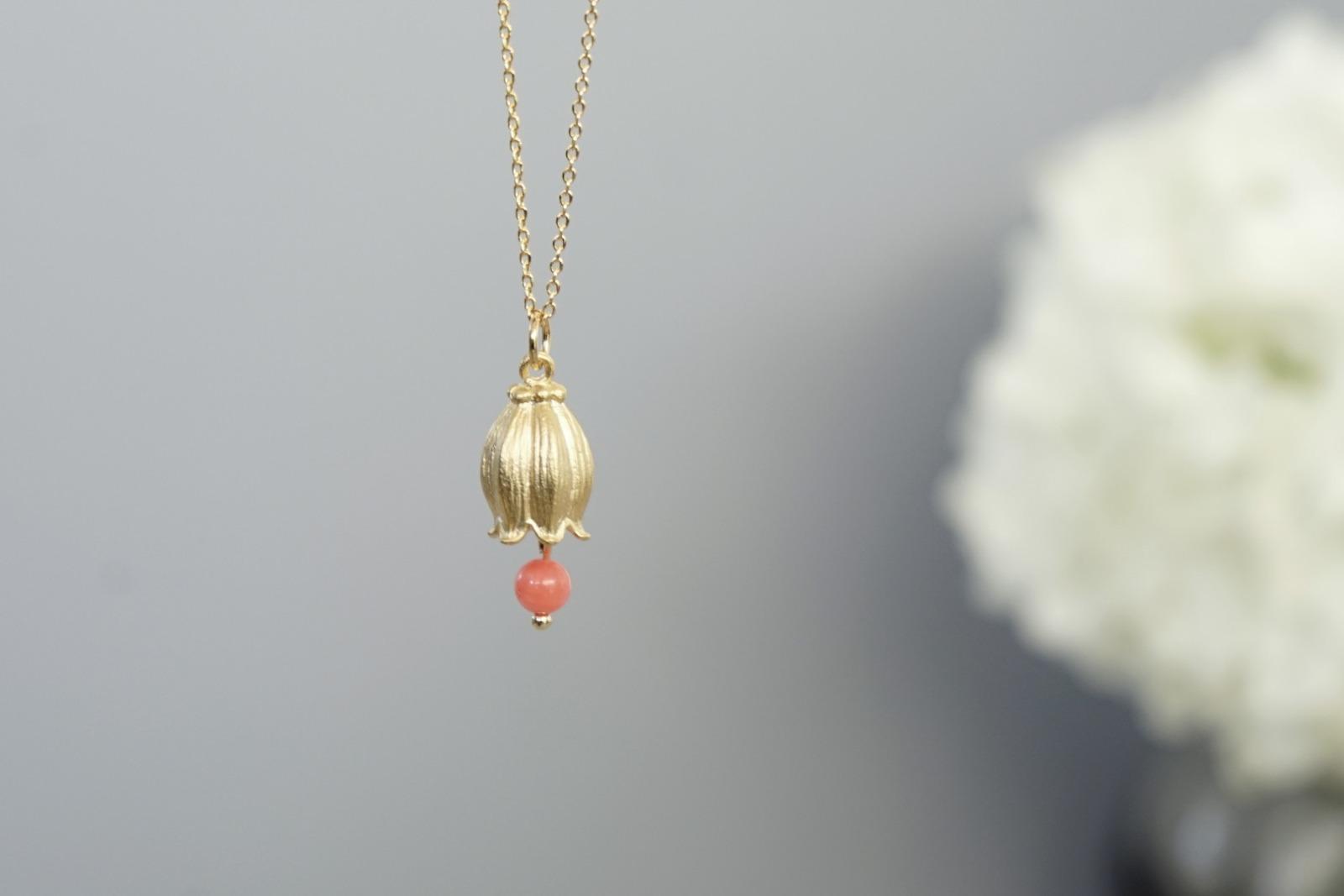 Kette vergoldet mit Glockenblume und rosa Koralle - 3