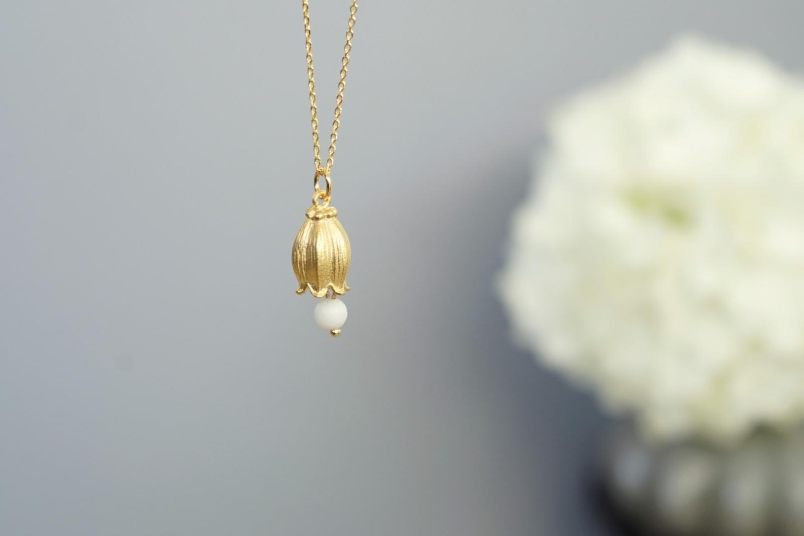 Kette vergoldet mit Glockenblume und Jadeperle - 3