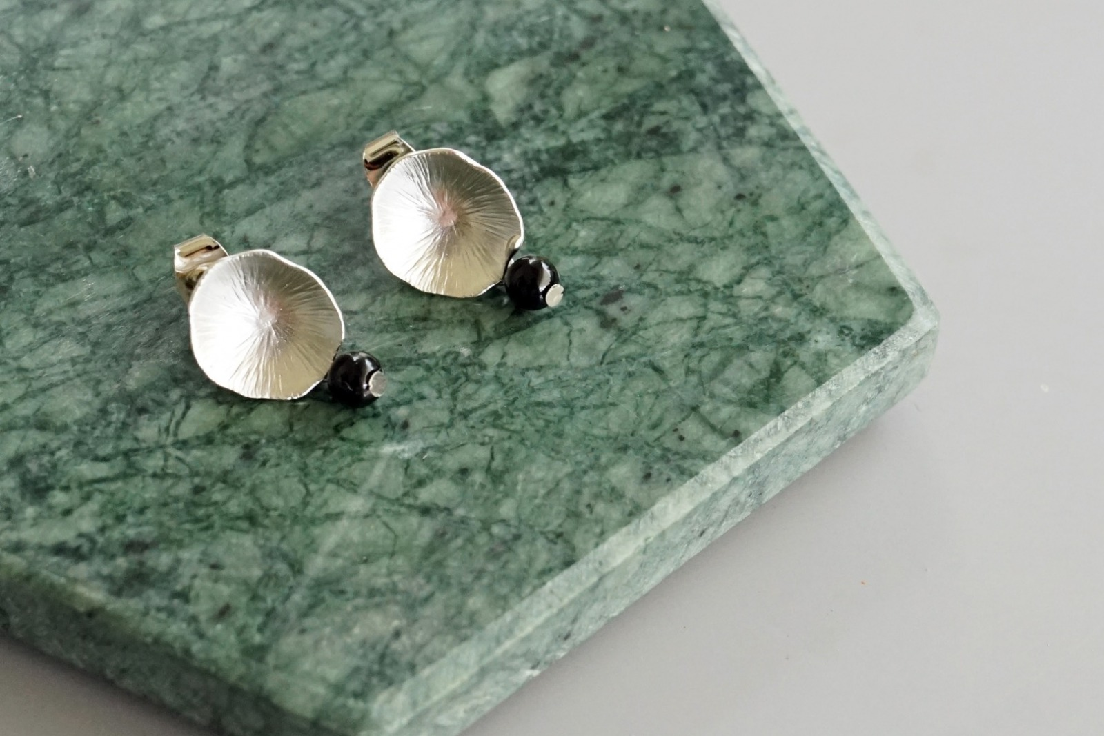 Ohrringe Ohrstecker Lotusblatt silber mit Perle Amethyst - 1