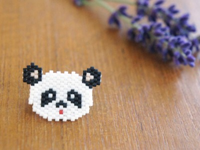 Brosche Pin Pandabär aus Miyukiperlen