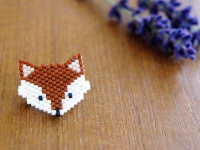 Brosche Pin Fuchs aus Miyukiperlen