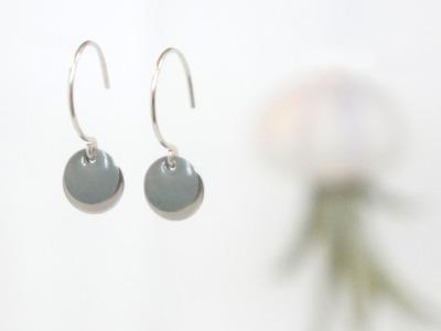 Ohrringe 925 Sterling silber mit Emailleplättchen, grau
