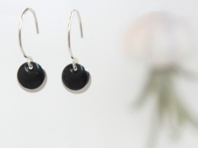 Ohrringe 925 Sterling silber mit Emailleplättchen, schwarz